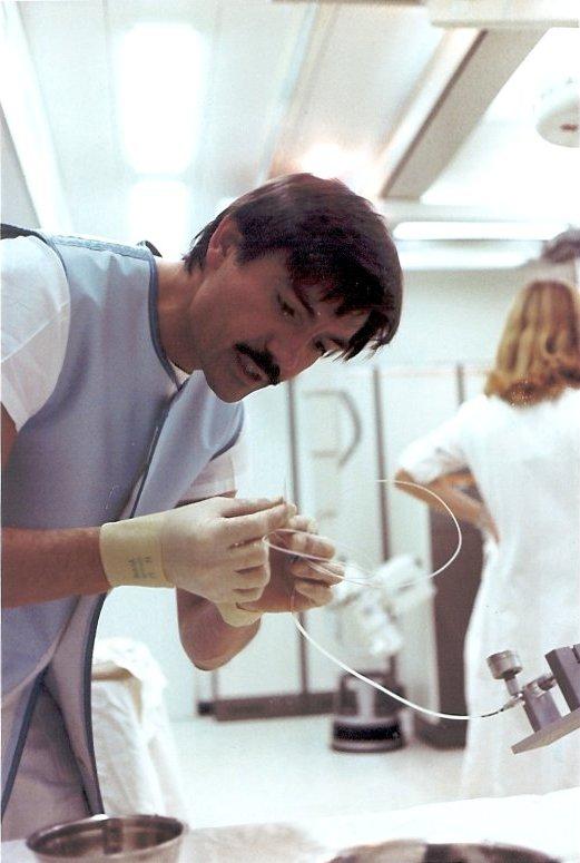 1980_AG_0063_mit Katheter in Labor